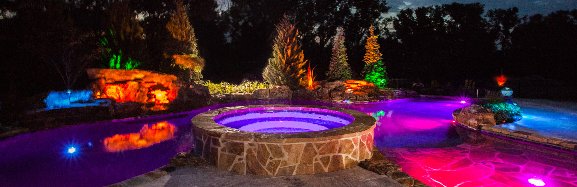 lm-custom-pools-wichita-kansas-homepage-custom-pools-image-NEW